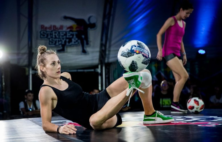 Melody-Donchet-Football-Freestyle